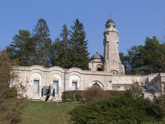 1918 mausoleum