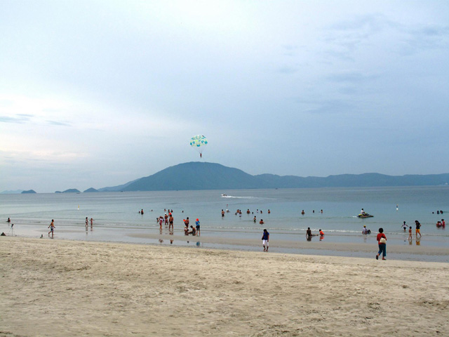 Parachute, Doc Let beach