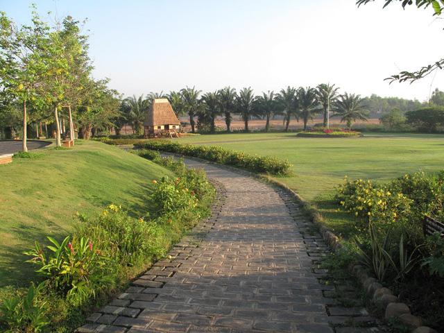 Giang Dien Park