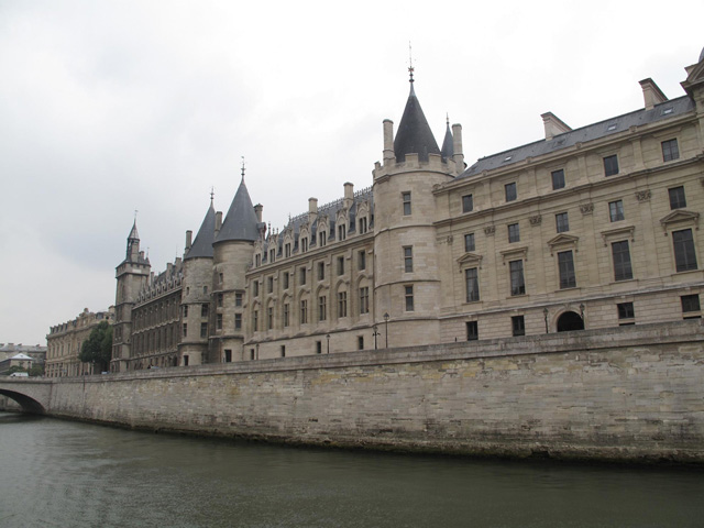 Category Paris Conciergerie