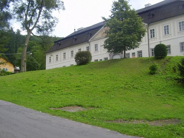 Antol Chateau