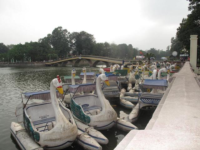 Thu Le Lake