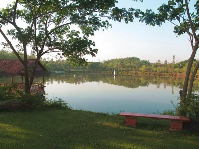 Tuyen Tam lake
