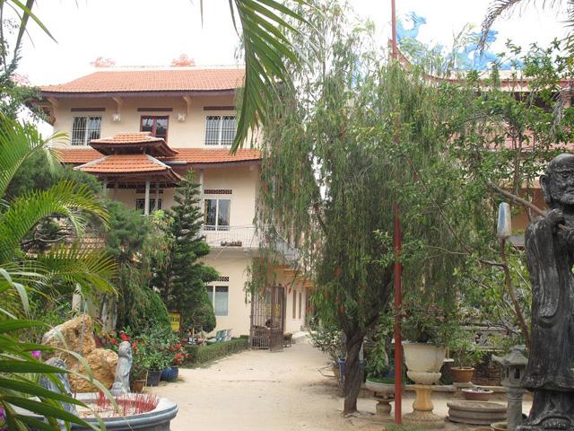 Temple Van Hanh