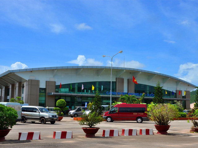 Duong Dong Airport