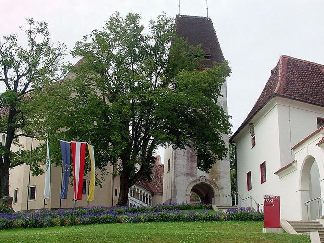 Seggau castle