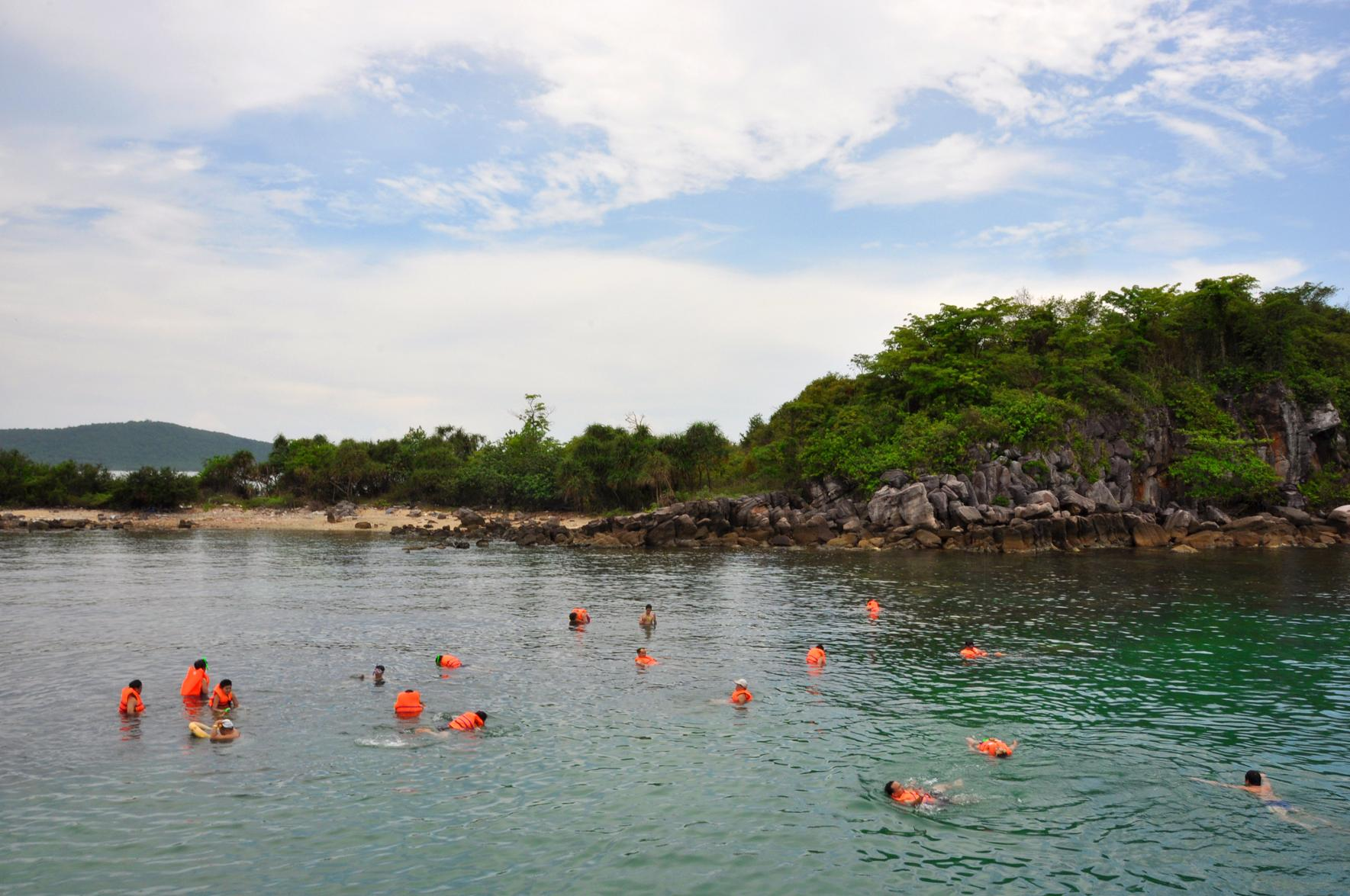 Phu Quoc Island Vietnam  city photo : Snorkeling, Phu Quoc island, Vietnam, Landolia, a World of Photos
