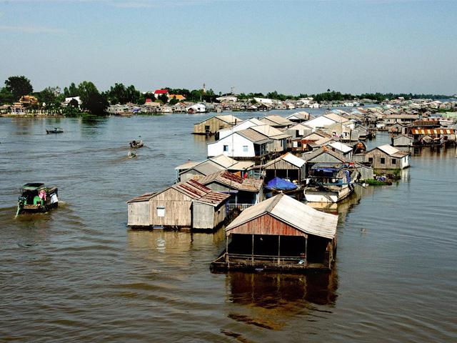 Houseboat village