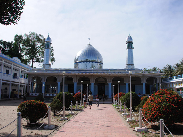 Nas Jid Khay Ri Yah Temple