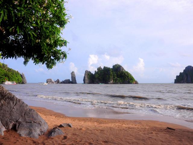 Phu Tu islet