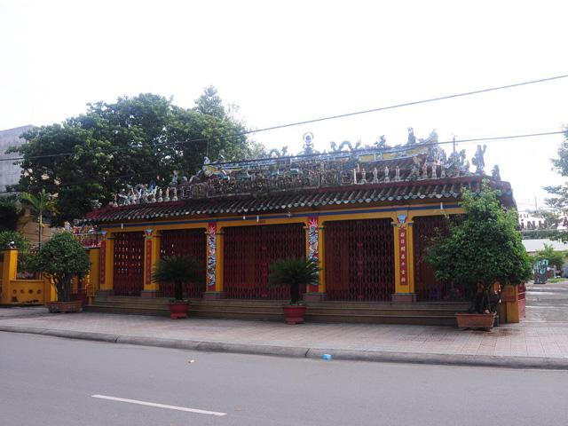Temple Tan Lan