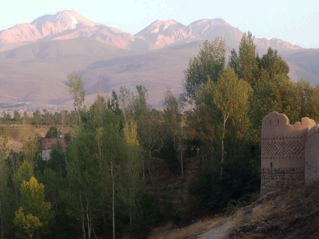 Arshoq Castle