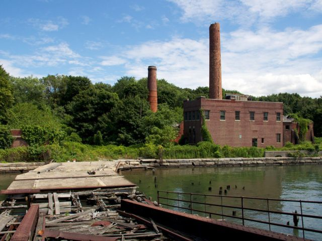 Physical plant, North Brother Island