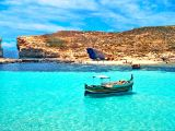 Baie avec lagon bleu à Malte