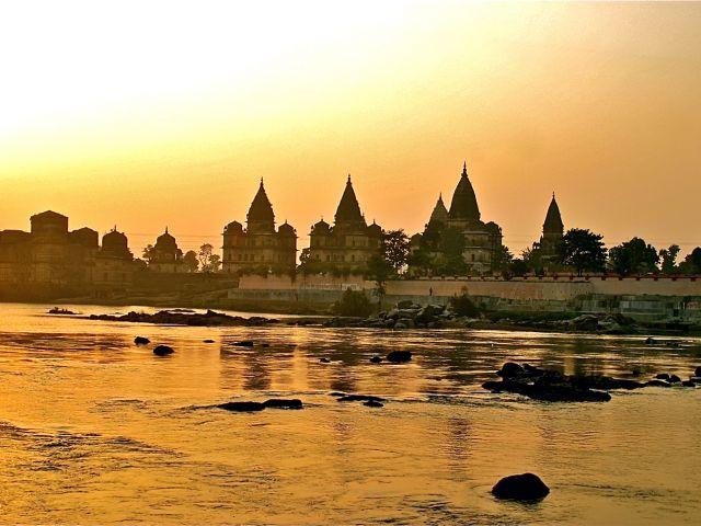 Chhatri along the Betwa River