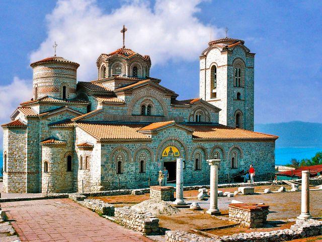 Église de Clément reconstruite à Plaochnik