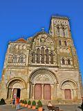 Façade de la basilique Sainte-Marie-Madeleine de Vézelay