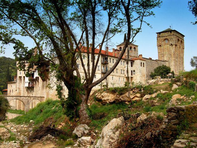 Vue extérieure du monastère de Hilandar