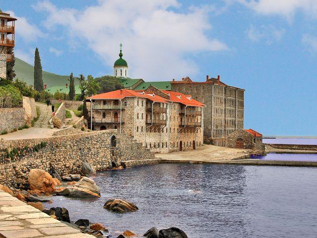 Port du monastère Saint-Pantéleimon