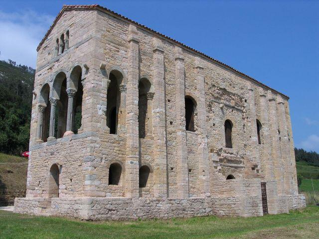 Église Santa María del Naranco d'Oviedo