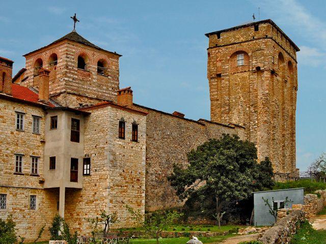 Tour carrée du monastère de Hilandar