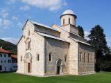 Vue du monastère de Dečani