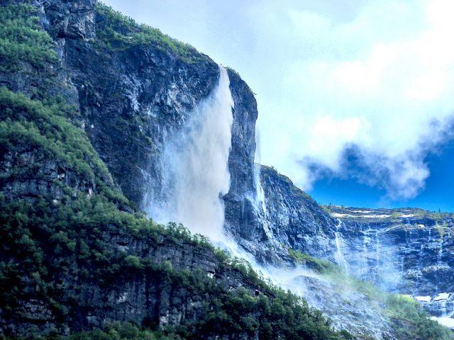 Cascade Kjosfossen
