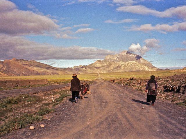 Sur la route de Tingri au Tibet