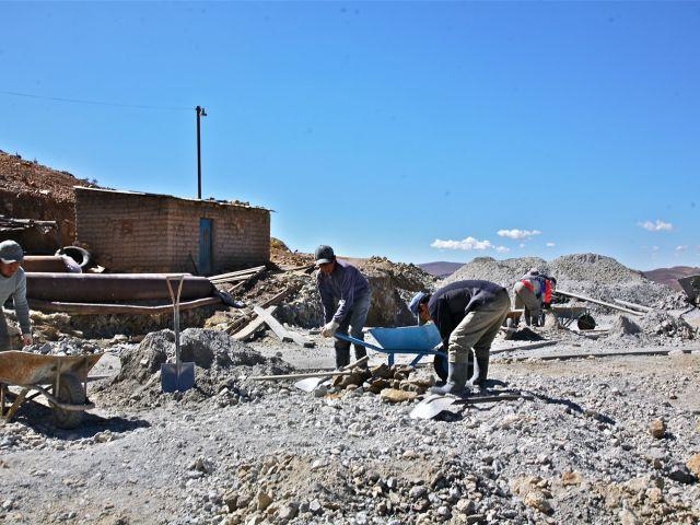 Sorting of ore, Potosi silver mines