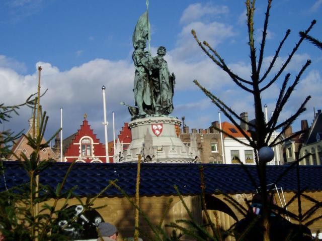 Category Bruges Statue