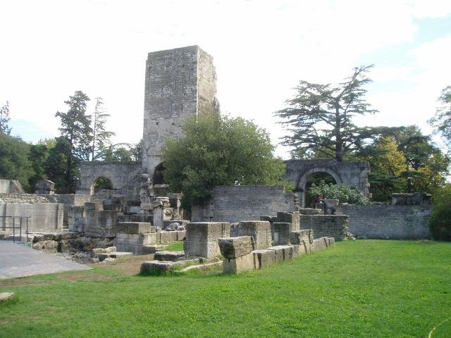 Category Arles Roman theater