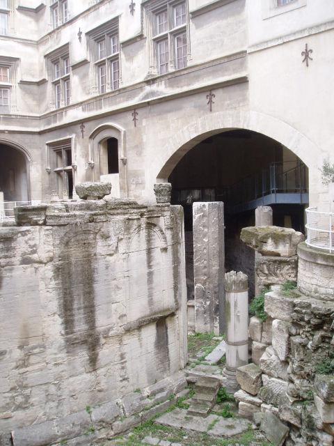 Category Arles Museon Arlaten