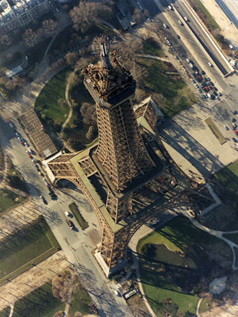 Skypicture of the Eiffel Tower
