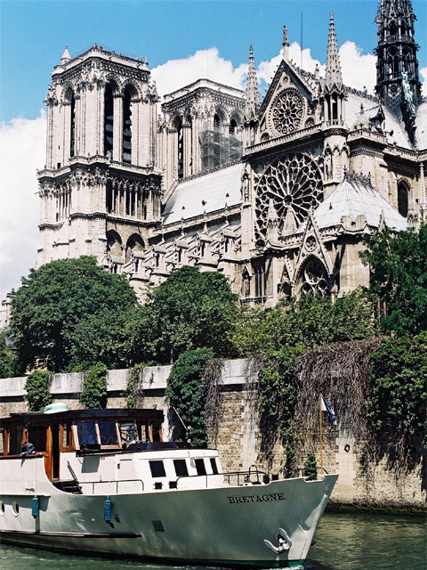 Category Paris Notre Dame