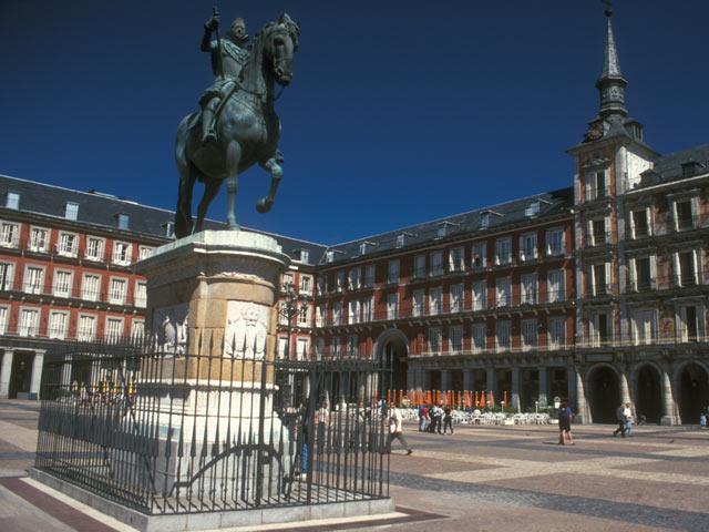 Philip III statue