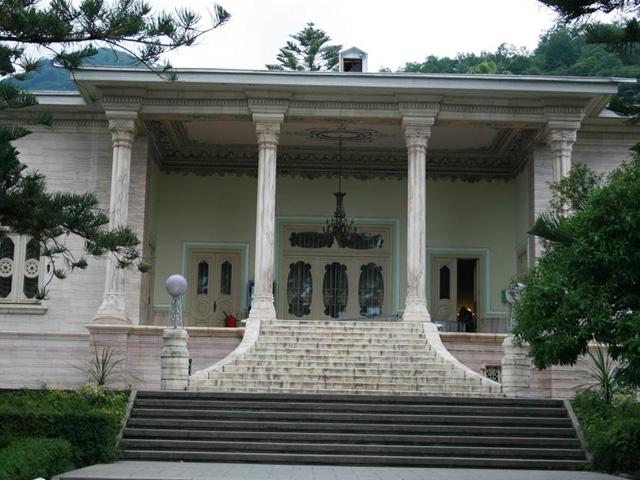 Shah Palace