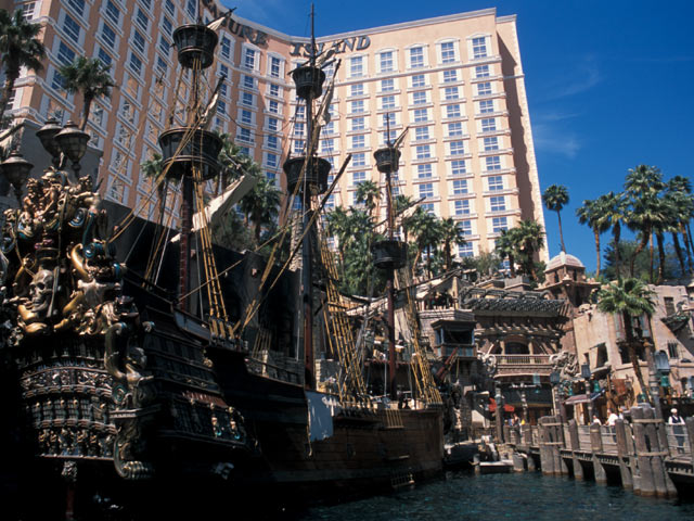 Hotel Treasure Island
