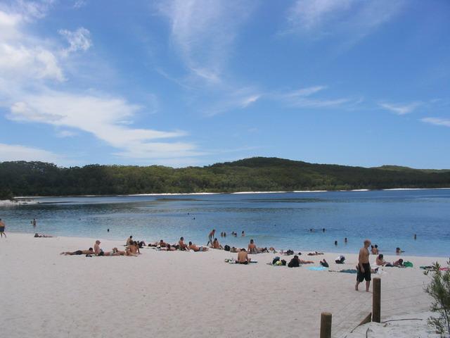 Beach at Lake McKenzie
