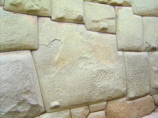 La pierre des 12 angles