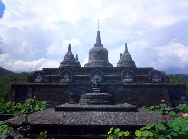 Categorie Banjar Temple