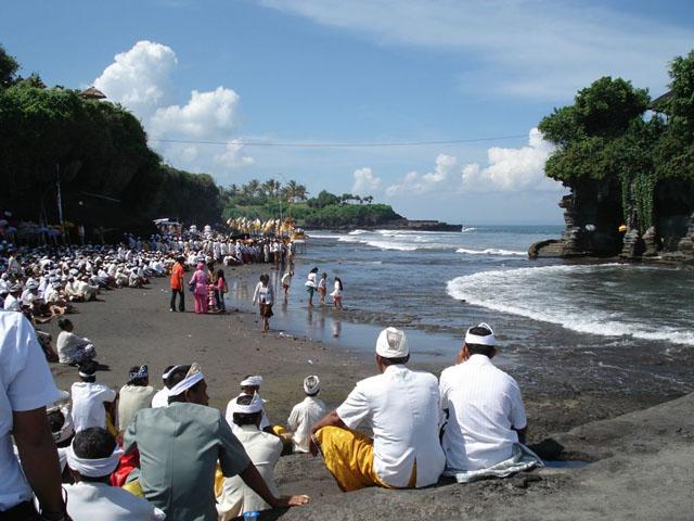 Pura Tanah Lot pilgrimage