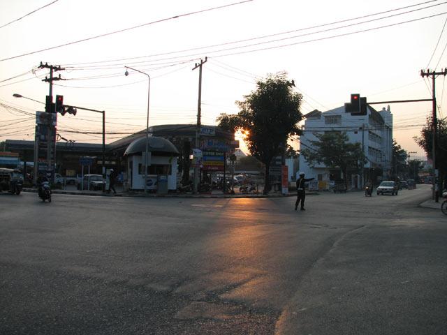 Sridonchai Road