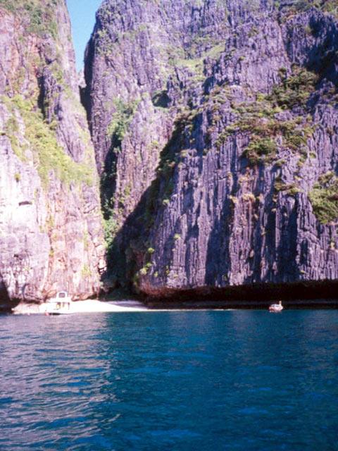 Phi Phi Le diving