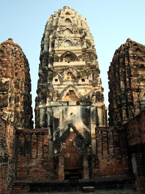 Wat Si Sawai from inside