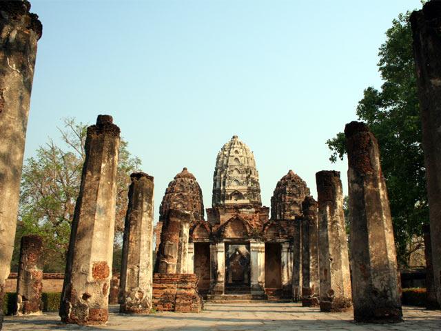 Wat Si Sawai Columns