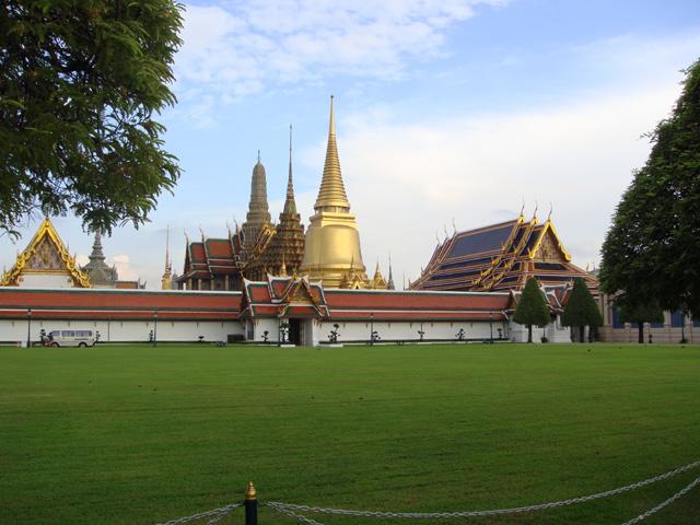 Αποτέλεσμα εικόνας για king bhumibol adulyadej house