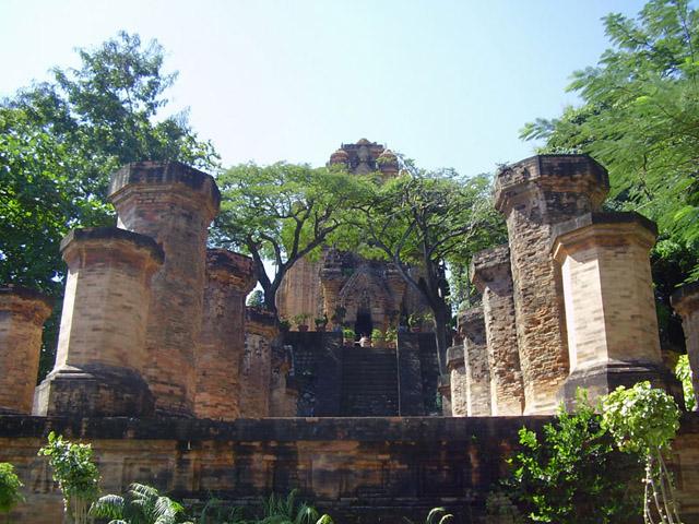 Tours Po Nagar Cham